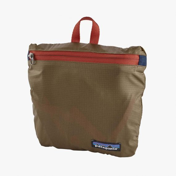 Patagonia sac Lightweight Travel Tote pack 22L khaki